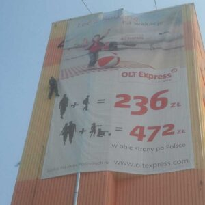 Montaż wielkopowierzchniowego banera reklamowego OLT Express