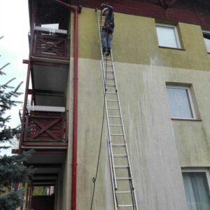 Mycie elewacji - alpiniści