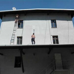 Malowanie elewacji budynku mieszkalnego