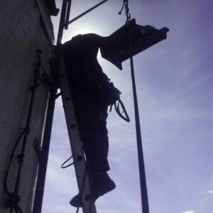 Montowanie konstrukcji - alpinizm przemysłowy